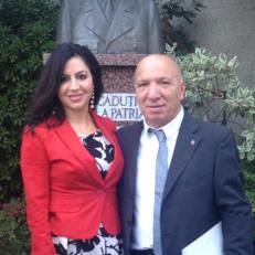 Con il consigliere Cgie Canada Rocco Di Trolio davanti al centro culturale italiano di Vancouver