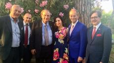 Con alcuni rappresentanti della delegazione di imprenditori, tra cui gli imprenditori italo-canadesi Norberto Marocco e Tony Loffreda e il deputato canadese Nicola Di Iorio